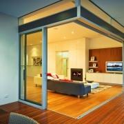 POST FREE CORNER / MULTI STACK DOORS